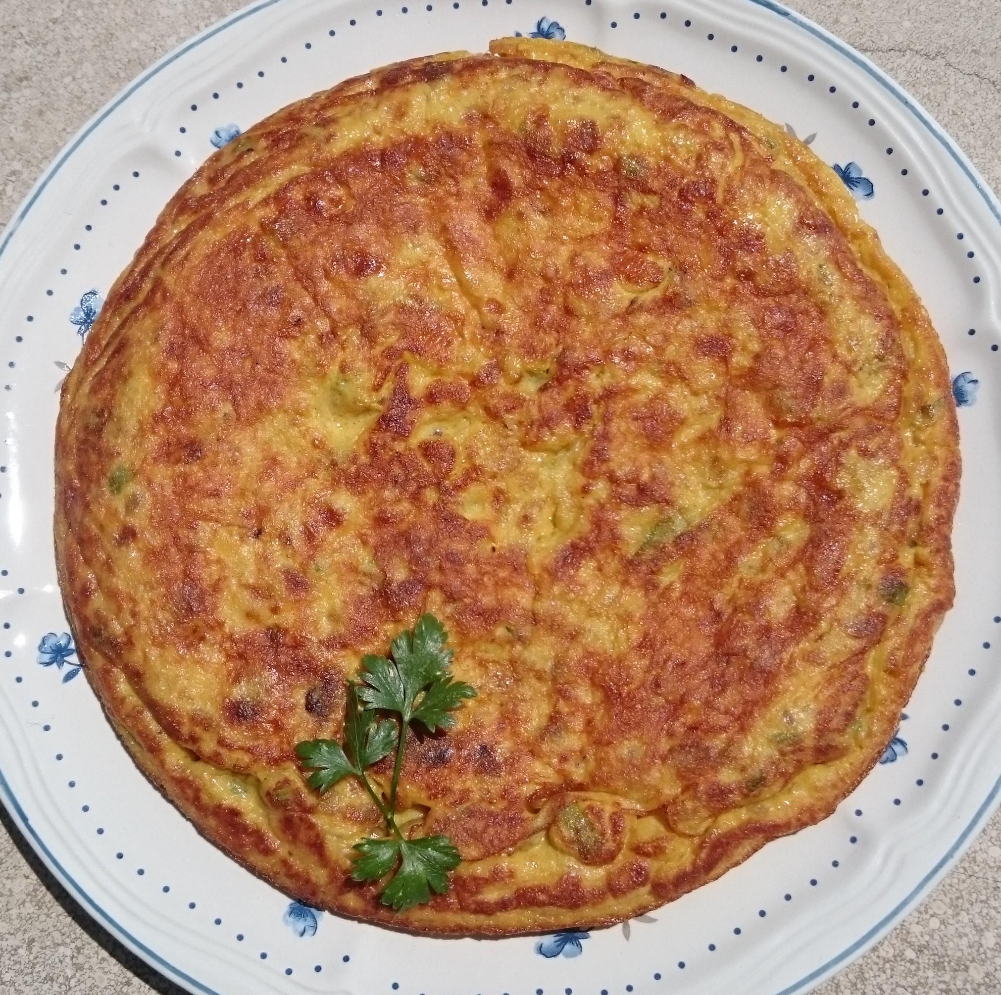 Tortilla de patata, calabacín y cebolla