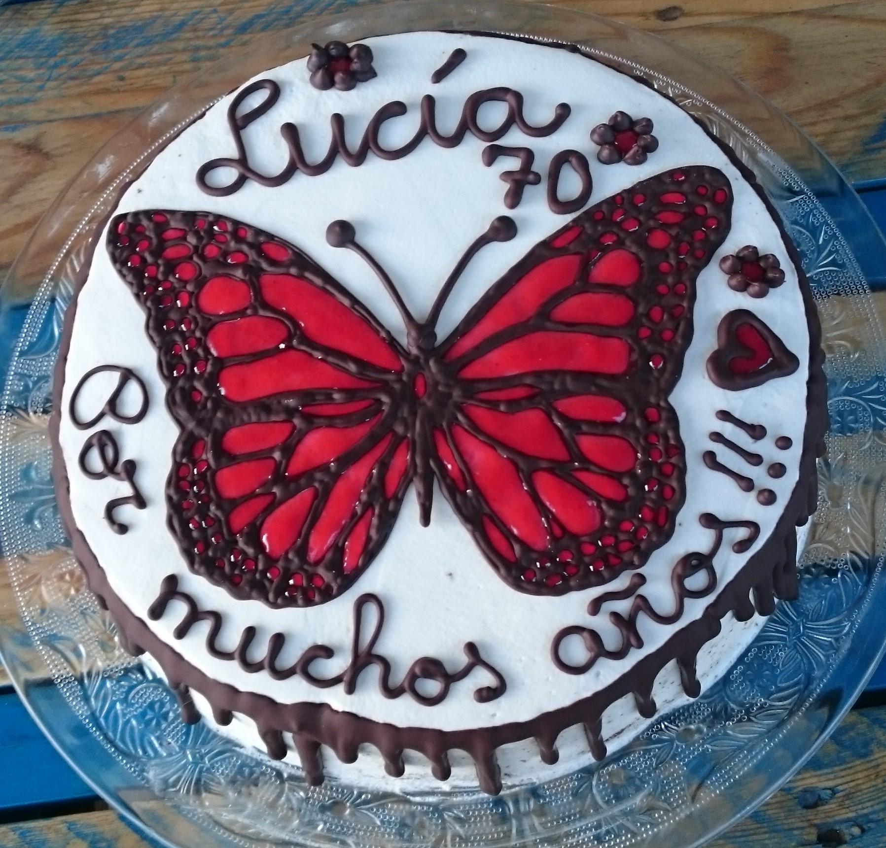 Pastel mariposa de caramelo
